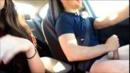 Assista porno hd dessa putaria no carro com casal de novinhos