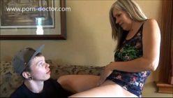 Video amador rapaz comendo a mae