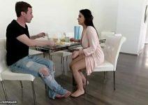 Malandrinha em sexo incesto com seu irmão