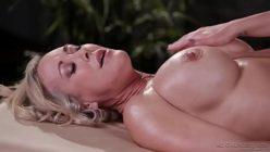 Porno doido mulher loironas se massageando e gozando