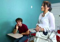 Redtibe aluno dando prazer a duas professoras