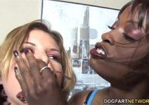 Xnxxx mulata comendo chana da amiga com dildo