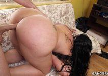 Sexo hot com a vizinha casada de bundona grande