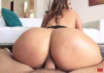 Xvideos anal intenso com morena do cuzão guloso